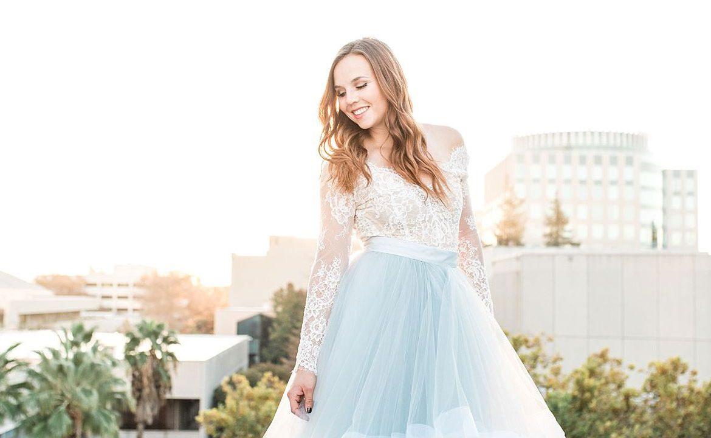 Cómo usar un vestido de novia de color