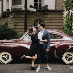 sesion de fotos de novios con coche antiguo